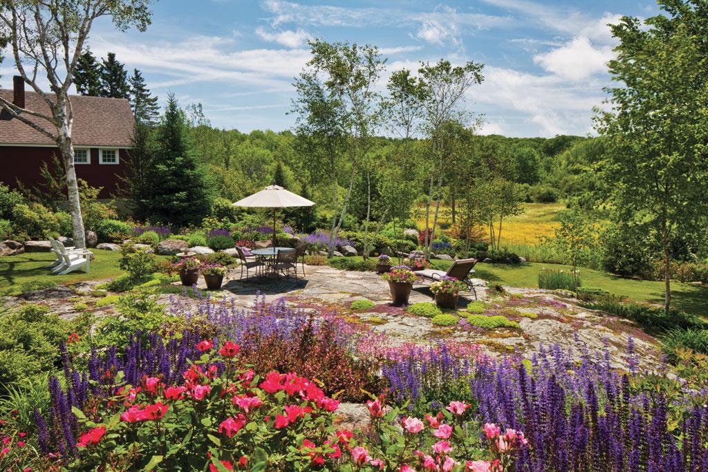 dee1306dooryard_garden3