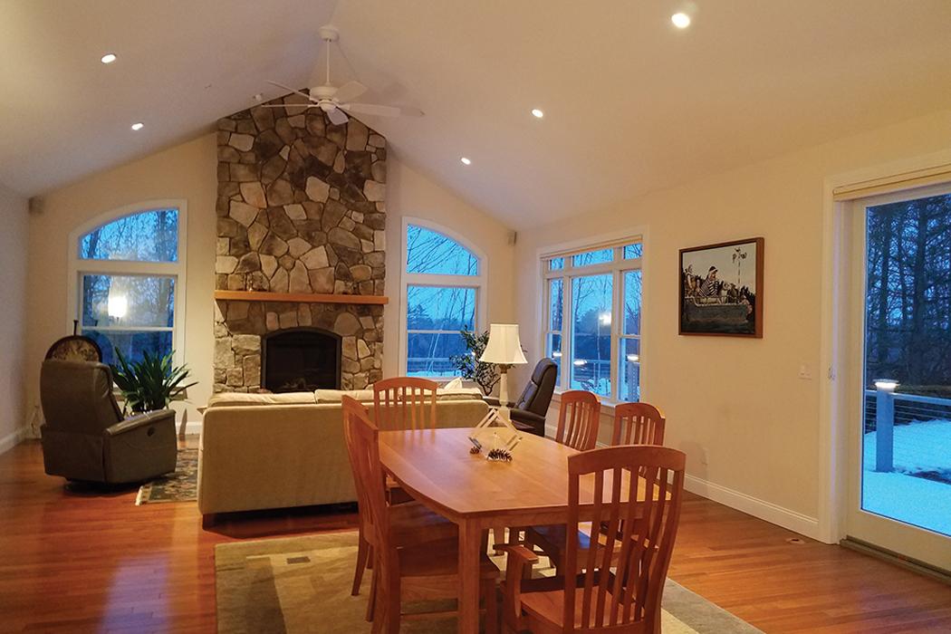 Highland Green livingroom