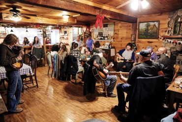 Riverside Lodge & Sauna